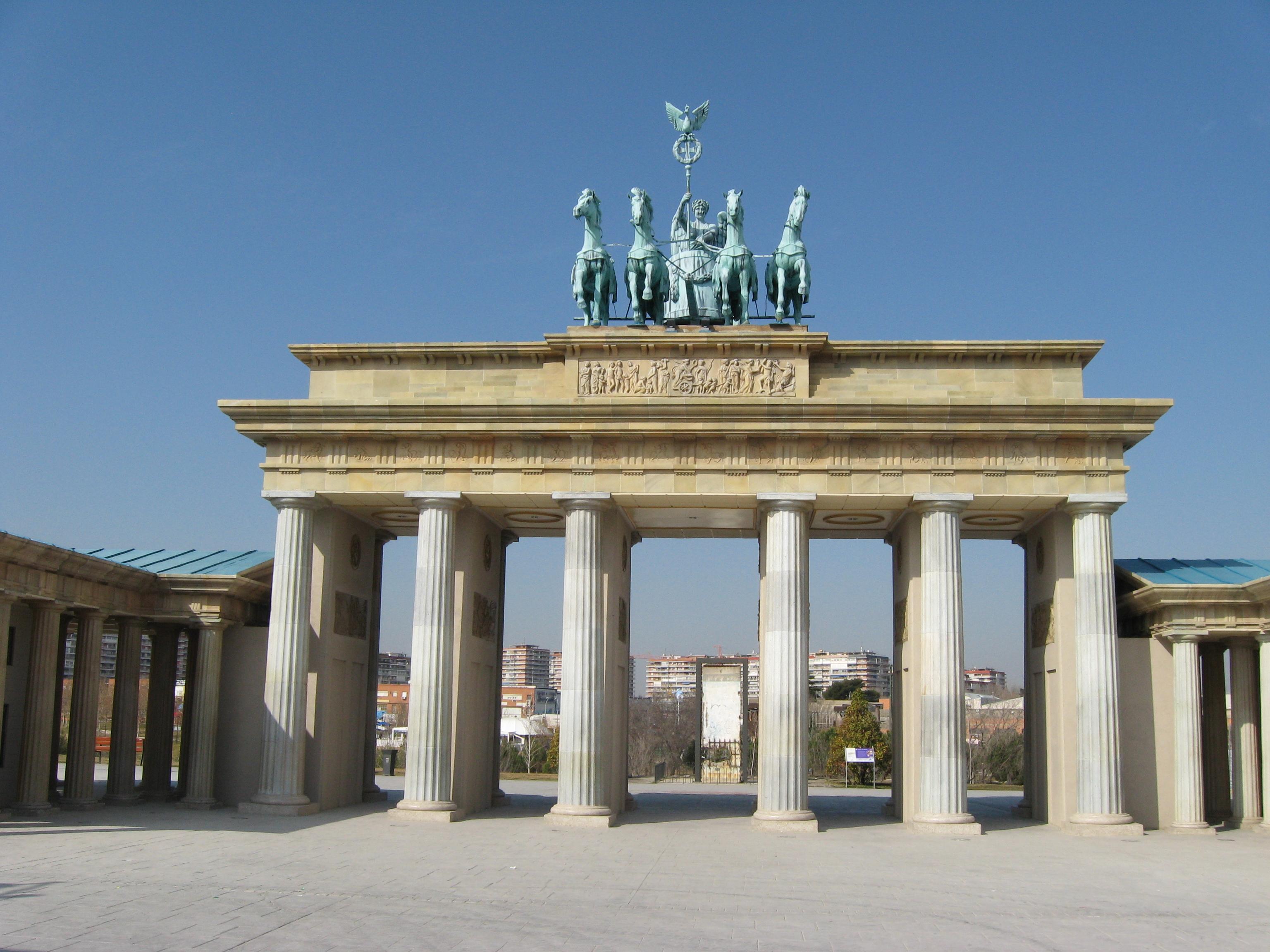 Puerta_de_Brandenburgo,_Parque_de_Europa,_Torrejón